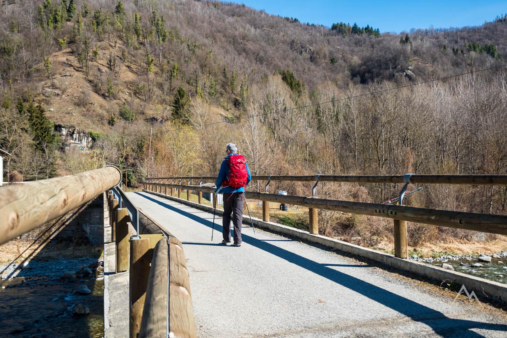 Il ponte sul torrente Varaita