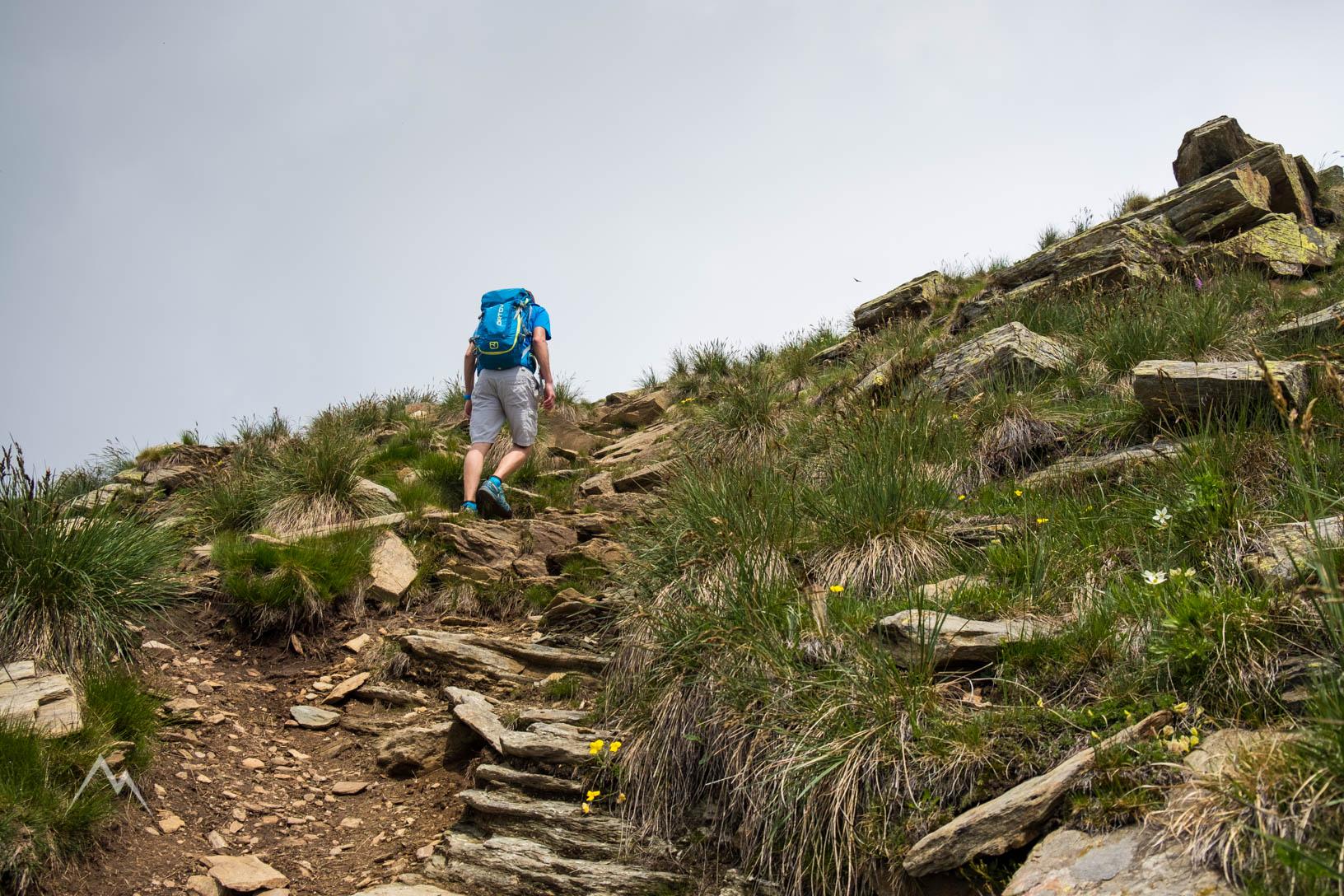 Il percorso diventa più roccioso